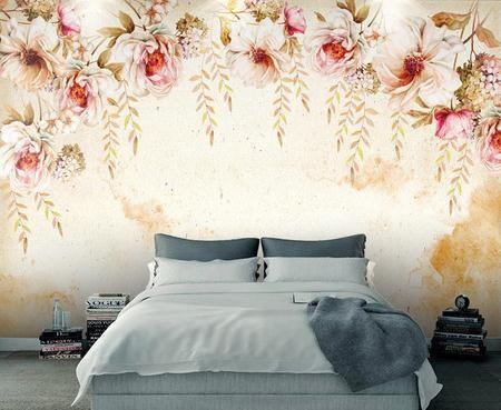Акварельные цветы на пастельном фоне