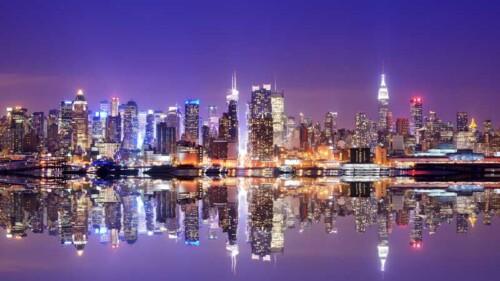Отражение ночного города