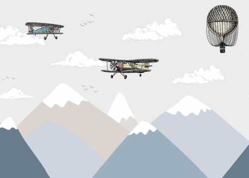 Ретро самолеты и воздушный шар в горах